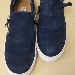 STEVE MADDEN Faux Suede Zippered Slip Ons Sz 7.5